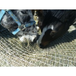 Slow Bale Buddy hay net, medium